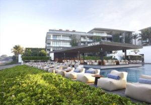 Alila-Seminyak-Beach-Bar-Beach-Bar-by-Day-2-480x335